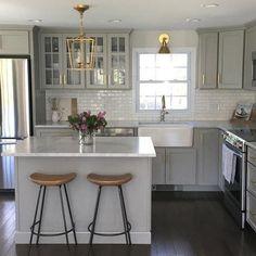 Small Kitchen Makeover NEW Authentic Visual Comfort Darlana Chandelier Mini Pendant 2175 Open Cage Classic Kitchen, New Kitchen, Kitchen Dining, Awesome Kitchen, Brass Kitchen, Updated Kitchen, Gray And White Kitchen, Kitchen With Dark Floors, Kitchen Sinks