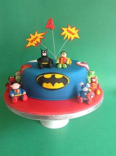 Die 27 Besten Bilder Von Superhero Cake Hulk Cakes Superhero Cake