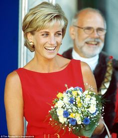 Minute-by-minute series of the week Diana died | Daily Mail Online