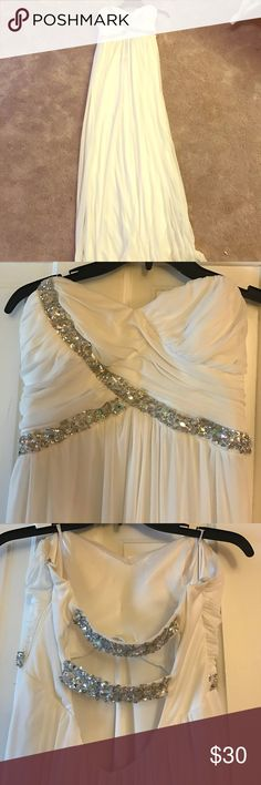 Beautiful gown! Never worn!! Very light and flowy! Dresses Strapless