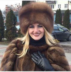 Sable Fur Coat, Mink Fur, Black Leather Gloves, Leather Pants, Fur Accessories, Fabulous Furs, Cool Hats, Fur Fashion, Cute Faces