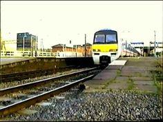 #england #englishtrains #railwayvideos #trainvideos #videos #videosoftrains #railways #railroads #travel #transport, #trainphotography, #railwayphotography, #trains, #britishtrains, #electrictrains, #passengertrains, #uktrains, #britainsrailways UK Railways - Class 321 Network South East leaves Bletchley Video