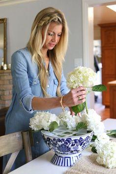 You searched for label/tutorial - Elle Apparel by Leanne Barlow Spring Flower Arrangements, Beautiful Flower Arrangements, Floral Centerpieces, Flower Vases, Artificial Floral Arrangements, Centrepieces, Wedding Centerpieces, Farmhouse Table Centerpieces, Hydrangea Arrangements