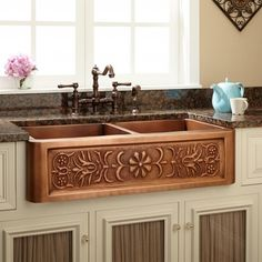 "36"" Flower Motif Double-Bowl Copper Farmhouse Sink"