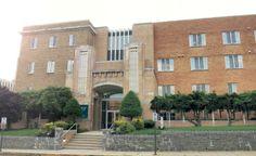 Strayer University - Takoma Park Campus 場所: Washington DC, D.C.