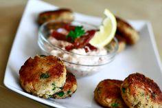 Fish chops | Kotlety rybne z sosem z suszonych pomidorów - przepis http://www.codogara.pl/wp-content/uploads/2013/05/kotlety-rybne1.jpg