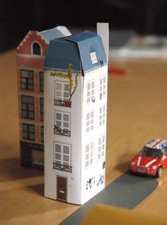 FREE printable paper house: Hello June: DIY Kids : Mon petit building PARIS - Fantastic web site full of pree printables and inspiration :) Paper Toys, Paper Crafts, Diy Crafts, Diy Décoration, Diy For Kids, Crafts For Kids, Carton Diy, Diy Karton, Papier Diy