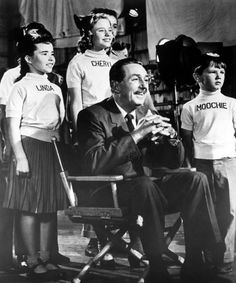 "Walt Disney pictured with some young ""Mouseketeer"" (Mickey Mouse Club). Disney Dream, Disney Love, Disney Magic, Disney Family, Disney Stuff, Jim Henson, Walt Disney World, Disney Pixar, Disney Facts"