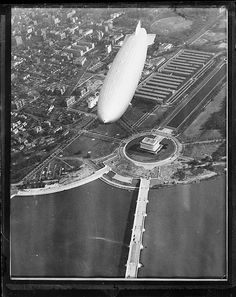 USS Akron flying over Lincoln Memorial, Wash., D. C.