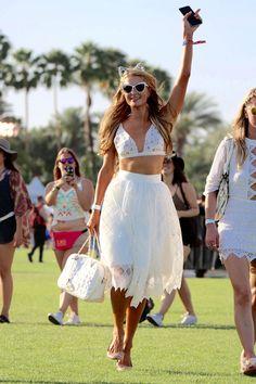 Paris Hilton en White para #Coachella