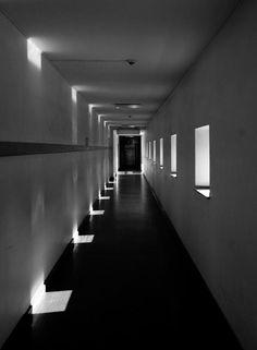 architektur-licht-sonne-schatten-fenster-lichteffekt-sw-940.jpg (691×940)