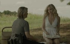 Caroline Forbes and Sheriff Forbes meet up for a picnic in The Vampire Diaries Episode 6x01: I'll Remember.