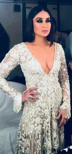 Hot sexy sizzling gorgeous Kareena kapoor