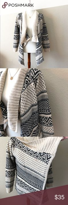 Boutique Nordic Aztec Thick Open Sweater Cardigan Only worn once! In excellent gently used condition- purchased from a local boutique but living in Arizona it just hasn't gotten enough wear. Size on tag is s/m and can fit either. Sweater is cream with either black or really dark navy Lulumari Sweaters Cardigans
