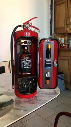 An exclusive gift for any occasion – a real fire extinguisher-shaped mini bar with a volume of 8 liters! Jerry Can Mini Bar, Alcohol Dispenser, Mini Bars, Man Cave Gifts, Firefighter Gifts, Cigars And Whiskey, Fire Extinguisher, Welding Projects, Bars For Home