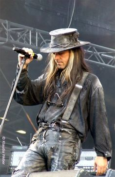 Carl MCoy - Fields of the Nephilim Late 80s Music, The Sweetest Thing Movie, Gothic Outfits, Post Punk, Gypsy Soul, Punk Fashion, Cute Guys, Vintage Photos, Sexy Men