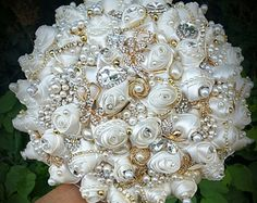CUSTOM BROOCH BOUQUET Elegant Vintage Ivory by Elegantweddingdecor