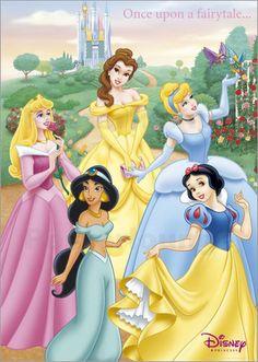 """Neben dem sehr erfolgreichen Disney Film """"Die Schöne und das Biest"""" existiert auch ein Musical, das kurz nach der Veröffentlichung des Films Premiere hatte. Bilder der Hauptfigur Belle erinnern an wundervolle Filmmusik."""