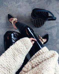 Pants: tumblr black vinyl black black leather leather vinyl shoes black shoes bag black bag sweater