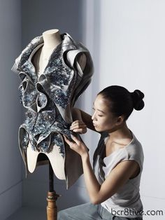 Yiqing Yin - The New Designer Face of Swarovski Elements New Global Advertising Campaign    Like this idea for a shop photo