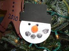 little illuminations: Christmas Ornaments and Parent Gifts Christmas Gifts For Parents, Kids Christmas Ornaments, How To Make Ornaments, Christmas Art, Christmas Holidays, Christmas Ideas, Homemade Ornaments, Happy Holidays, Xmas