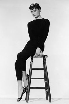 Audrey+Hepburn+is+the+picture+of+elegance+in+ballet+flats.+   - HarpersBAZAAR.com
