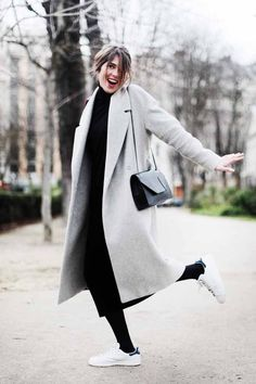 Art Symphony: The Maxi Coat Style Désinvolte Chic, Mode Style, Her Style, Street Style, Street Chic, Casual Winter Outfits, Fall Outfits, Look Fashion, Fashion Outfits