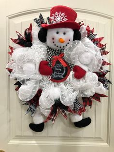 Learn the steps to put together a snowman using a wreath kit in this DIY tutorial. Snowman Wreath, Diy Wreath, Wreath Making, Wreath Ideas, Snowman Decorations, Christmas Decorations, Holiday Decor, Christmas Crafts For Kids, Christmas Snowman