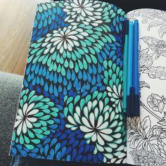 Het tweede enige echte kleurboek voor volwassenen: abstracte fontijnen