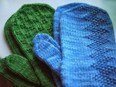 Love this simple pattern Knitted Mittens Pattern, Knit Mittens, Mitten Gloves, Knitting Socks, Hand Knitting, Knitting Stitches, Knitting Patterns, Yarn Inspiration, Quick Knits