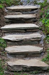Adding this to the project list.How to Build Rustic Flagstone Garden Steps: You can build rustic flagstone steps like these to improve the look and accessibility of your garden. All you need are a f (Flagstone Patio Step) Outdoor Projects, Garden Projects, Lawn And Garden, Garden Paths, Hill Garden, Easy Garden, Landscape Design, Garden Design, Landscape Stairs