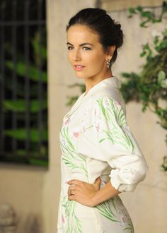 More Pics of Camilla Belle Pink Lipstick Pretty People, Beautiful People, Beautiful Ladies, Camila Belle, Beauty Lookbook, Loose Buns, Most Beautiful Hollywood Actress, Pose, Brunette Beauty
