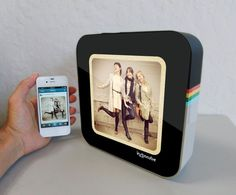 InstaCube Digital Photo Frame / Bring your Instagram and Facebook photos to life on this living canvas called InstaCube Digital Photo Frame. http://thegadgetflow.com/portfolio/instacube-digital-photo-frame/