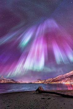 Aurora Boreal - Es tan hermoso q parece irreal. Un espectáculo natural que me…