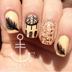 Fashion | Nail Trends – Festive with Feathers