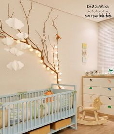 Ambient lighting in the nursery with this light garland # Nursery # furniture ideas # furniture # boy # girl - New Deko Sites Nursery Furniture, Rustic Furniture, Toddler Furniture, Decoracion Low Cost, Garland Nursery, Light Garland, Baby Bedroom, Room Baby, Baby Hacks