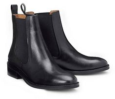 Ein Klassiker unter den Stiefeletten: Mit den typisch eleganten Chelsea-Elementen begeistert dieses schicke Vagabond-Modell aus weichem, schwarzem Glattleder.