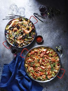 Paella Pan | Crafted in Valencia, Spain, the birthplace of paella, this pan showcases the traditional Valencian style. The wide, shallow carbon steel cooking surface is designed to sauté meats and vegetables prior to adding rice.