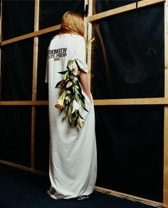 ANDAM: Vetements is a finalist - Crash Magazine Editorial Fashion, Fashion Art, High Fashion, Fashion Show, Fashion Textiles, Vetements Paris, Crash Magazine, Shooting Photo, Losing A Dog