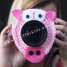 Camera lens buddy. Crochet lens critter PINK PIGGY. by Swifferkins, $13.99