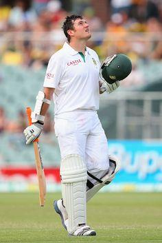 Graeme Smith (SA) 122, brought up his 26th century, vs Australia, 2nd Test, Adelaide, day 2, Nov 23, 2012