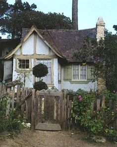 I want to live here. Especially if it were on a Scottish or Irish countryside. :)