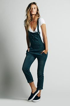 Meet Your Starter Overalls (& The Best Pair According To Math) #refinery29  http://www.refinery29.com/overalls#slide3