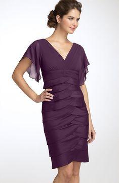 Moderne Etui-Kleid V-Ausschnitt Knielänge Chiffon