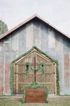 Barn with Greenery | photography by http://www.ashleyseawellphotography.com/