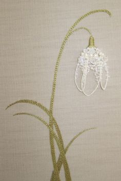 embroidery hand Simple but lovely - Lilly of the Valley embroidery. More More - Tiny Embroidered Animals State Love Skip the Outline Emb Lily of the valley flower embroidery - good practice of split stitch for filling leisha' s galaxy embroidery Tree Of L Silk Ribbon Embroidery, Crewel Embroidery, Cross Stitch Embroidery, Embroidery Patterns, Machine Embroidery, Pearl Embroidery, Crazy Quilting, Embroidery Techniques, Sewing Crafts