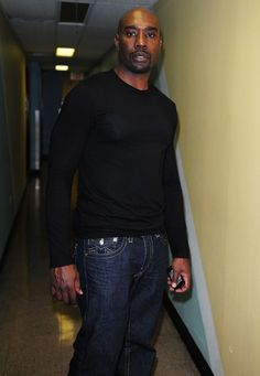 Morris Chestnut, Fox Tv, Handsome Black Men, Male Poses, American Actors, Simply Beautiful, In This World, Sexy Men, Laughter