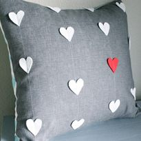 Valentine Projects We Love: Heart Strings Pillow