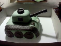 Army tank cake Army Tank Cake, Army Cake, Military Cake, Army's Birthday, Birthday Cakes, Birthday Parties, Kids Army, Army Party, Party Themes