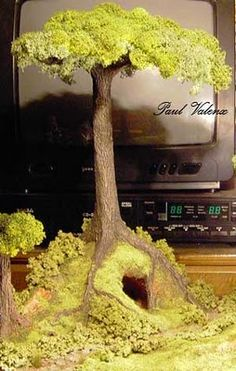 miniature how-to: old tree I think I already pinned this, but I really do need to try to do a big tree sometime